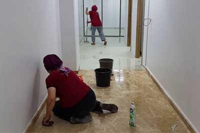 İnşaat sonrası temizlik, ev, villa, apartman, daire, rezidans vb. bir inşaat yapıldıktan sonra, camlarda yerlerde mutfaklarda kalan harç, bant gibi malzemelerin kalıntılarının uygun malzemelerle temizlenmesidir.
